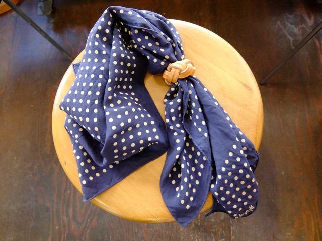 あわじ結びの革のスカーフリングのイメージ7