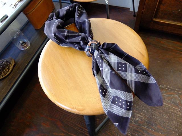 あわじ結びの革のスカーフリングのイメージ6