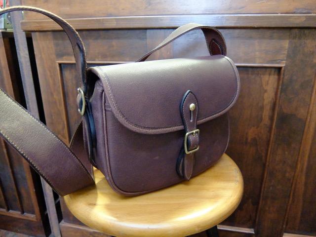 クラシコバッファローのカートリッジバッグ